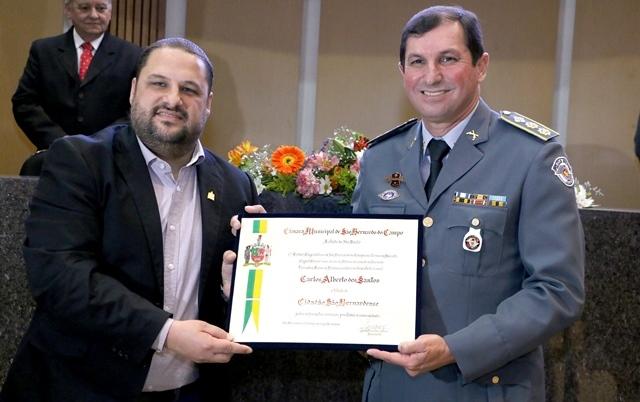 Sessão solene homenageou o tenente-coronel da Polícia Militar Carlos Alberto dos Santos